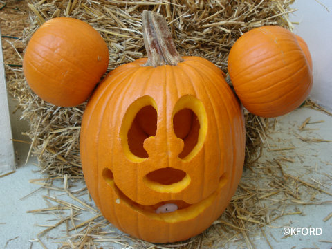 mickey-mouse-pumpkin